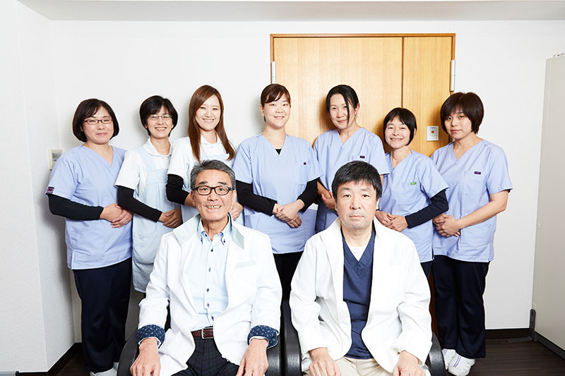 医院スタッフ一同 集合写真